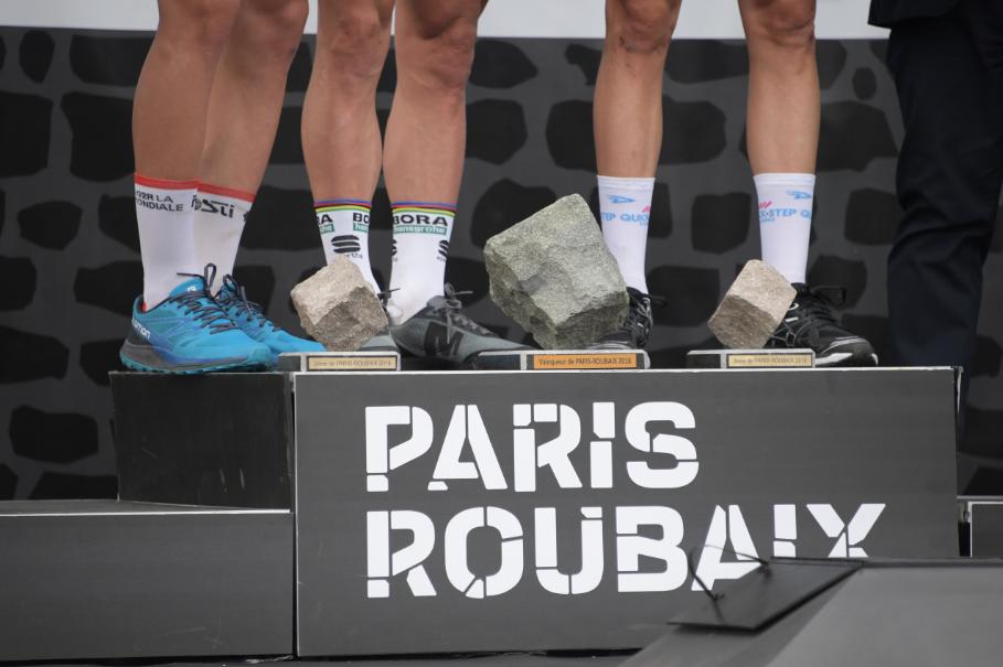 Vai começar a Paris Roubaix, a temida 'Inferno do Norte'